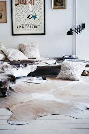 teppich skandinavisches design meer dan 1000 ideeën kuh teppich op franse knopen