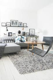 coussin canapé gris les coussins design 50 idées originales pour la maison archzine fr