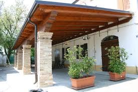 prezzi tettoie in legno per esterni porticato in legno prezzi pergole tettoie porticati