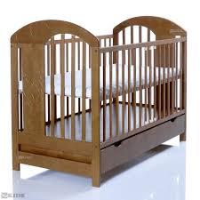 chambre bébé pin massif lit bébé lasse marron 120x60 bois massif en pin avec un grand tiroir