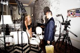 Next Thing You Know She Hit The Floor This Is How Paris Hilton Fooled The Entire United States Of