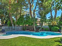 Backyard Pool And Basketball Court 4br Las Vegas House 1 Mile To Strip Homeaway Rancho Oakey