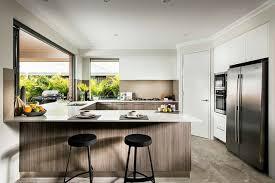 k che uform cuisines cuisines moderne moulure plafond placage bois fenetre