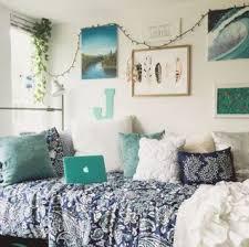 Beach Themed Home Decor Best 25 Beach Dorm Rooms Ideas Only On Pinterest Dorm Room
