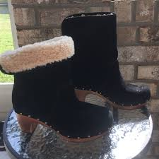 s ugg boots black 71 ugg boots ugg lynnea boots black suede s n 1955 euc