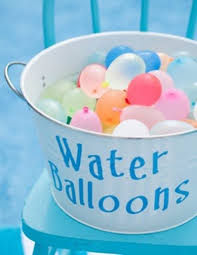 water balloons best 25 water balloons ideas on water fight glow
