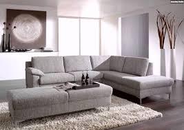 Wohnzimmer Einrichten Mit Schwarzer Couch Wohnzimmer Mit Schwarzer Couch Ein Luxurises Dunkles Wohnzimmer