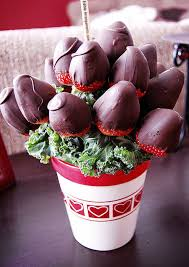 cheapest edible arrangement 24 reasons why you should never give someone an edible arrangement