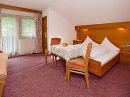 Schlafzimmer Bett M El Martin Unterkunfstliste Mit Hotels Appartements Frühstückspensionen In