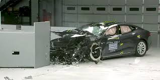 tesla responds to newly released model s crash test rating