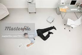 bureau photographe homme d affaires mort dans le bureau photographie de stock