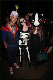 taylor lautner u0026 nina dobrev wear same costume for halloween