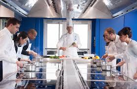 cours de cuisine cordon bleu le cordon bleu l culinaire mis à votre portée ce que pensent