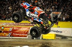 monster trucks nitro vwvortex com let u0027s see some pics of cars in mid air