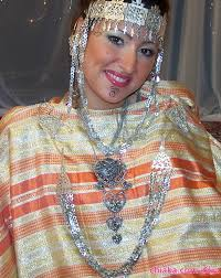 ملابس تقليدية جزائرية images?q=tbn:ANd9GcTTZe9pP3qIxaF9DuiMO9KGgr3AQFUaTFdMudqLuGR6PrSJ90i5MQ