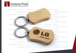 wooden keychains customised wooden keychains at rs 20 pie lakdi ka chabiyon ka