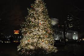 columbus christmas lights thinking outside the boxwood