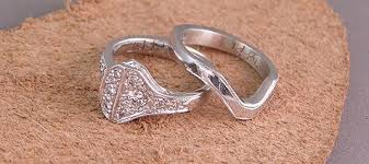 personalized horseshoe set a custom horseshoe nail wedding ring set