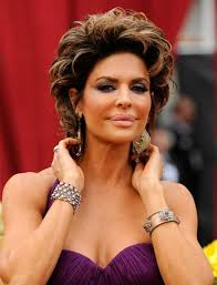lisa rinna layered or shag hairstyle this style is using short