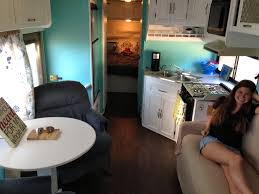 Coachmen Class C Motorhome Floor Plans by Two Twenty Somethings Transform Their 1994 Coachmen Leprechaun For