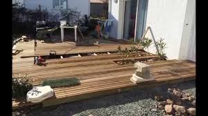 terrasse en bois suspendue réalisation d u0027une terrasse bois autour d u0027une piscine margelles