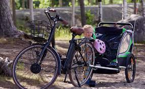 siege velo a partir de quel age remorque vélo enfant nos conseils pour bien la choisir