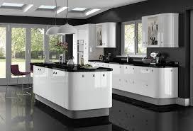 cuisine blanche sol noir cuisine blanche avec plan de travail noir 73 idées de relooking