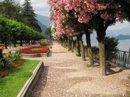 promenade on the lake shore bellagio italy wanderlust