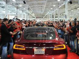 tesla u0027s model s loses its top safety rating from consumer reports