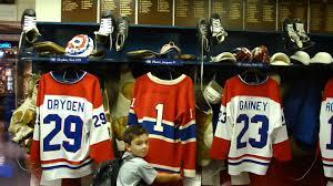 chambre canadien de montreal alec visite la chambre des joueurs du canadien de montréal au