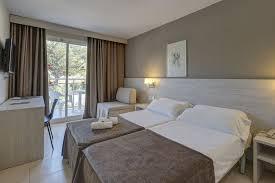 hotel espagne dans la chambre voyage en autocar en espagne hôtel rosamar garden resort 4 8