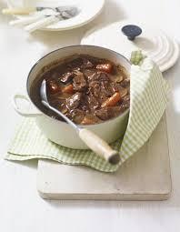 recette de cuisine civet de chevreuil civet de chevreuil pour 6 personnes recettes à table