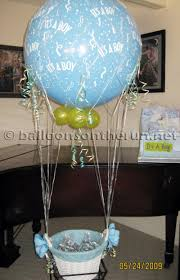 bautizo centerpieces balloons on the run party decorations r us balloon centerpieces