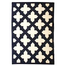 Modern Patterned Rugs by Classic Meets Modern On This Emerald Patterned Rug 223 The