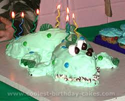 coolest homemade alligator cakes