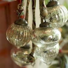 Christmas Bauble Table Decoration by 72 Best Antique Christmas Baubles Images On Pinterest Christmas