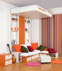 mezzanine canapé lit mezzanine adulte pour l aménagement du petit appartement
