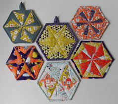 Free Patterns Quilted Potholders | hexagon quilt pattern for trivets coasters and potholders hexagon