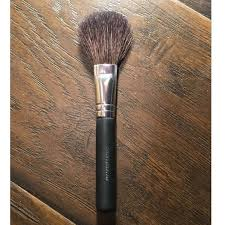 bare minerals fan brush 23 off bareminerals other bareminerals tapered fan brush from