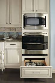 Lowes Kitchen Wall Cabinets by Best 25 Lowes Kitchen Cabinets Ideas On Pinterest Basement