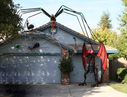 Scariest Halloween Decorations Uk by Use Rope Lights To Create A Giant Scary Spider Web Halloween