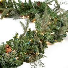 Christmas Garland With Lights by Decorating Pre Lit Christmas Wreaths Cordless Christmas