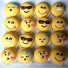 friends emoji cakes