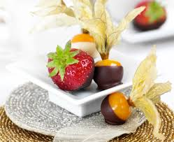 fruit dipped in chocolate chocolate dipped fruit chocolate
