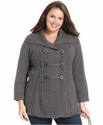 plus size sweater ideas with winter accessories designers
