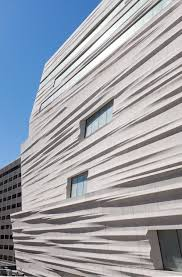 fassade architektur kräuselnde fassade museum snøhetta in san francisco