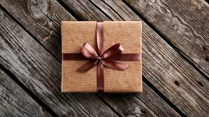 4 gift giving etiquette tips for clients or business associates
