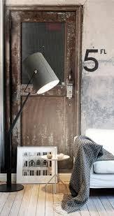 industrial interiors home decor loft factory indretning wallpaper vintage bolig stue mursten home