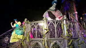 frightfully fun parade new full first performance at 2016 mickey u0027s