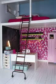 une chambre en plus une chambre pour les filles côté maison